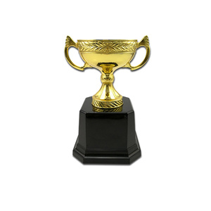 Factory Wholesale Europe Design Custom Metal Sports Trophy Cup