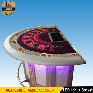Luxury Casino Electronic LED Blackjack Poker Game Table With Wooden Leg