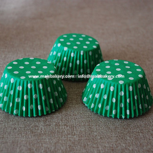 Food Grade Disposable Mini Polka Dot Paper Muffin Cupcake Shaped Cups