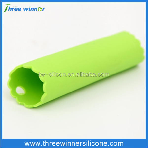 Silicone products food grade vegetables and fruits custom roller garlic peeler