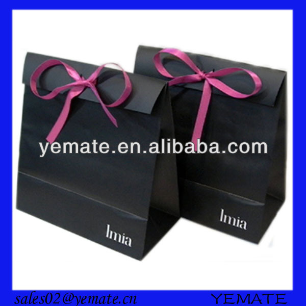 Xiamen manufacture custom black gift bags with ribbon