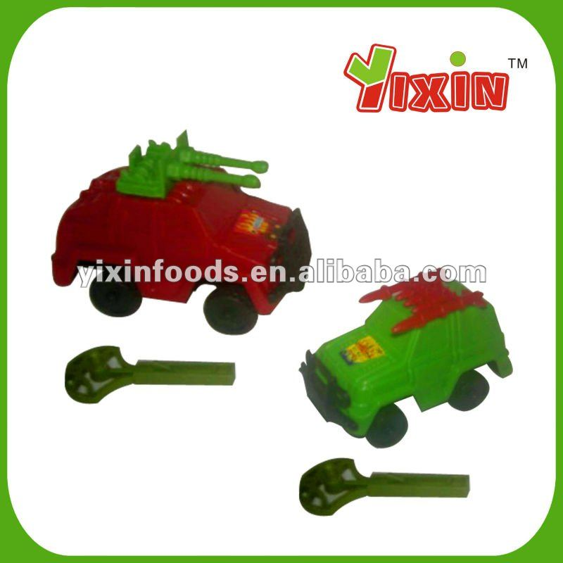 Tank toy with candy