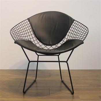 chaise en fil de fer perfect cult living chaise fils de fer avec pieds en bois de style dsw. Black Bedroom Furniture Sets. Home Design Ideas