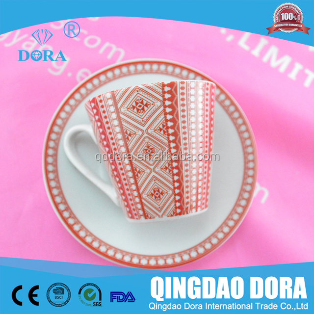 OEM cHAOZHOU decal Porcelain Tea Cup And Saucer Sets with PVC gift box pack