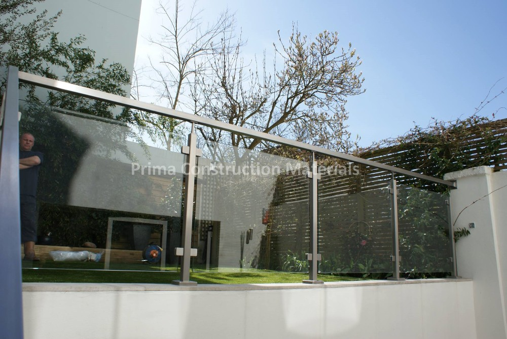 Terrace square pipe with tempered glass for stainless for Ss glass railing images