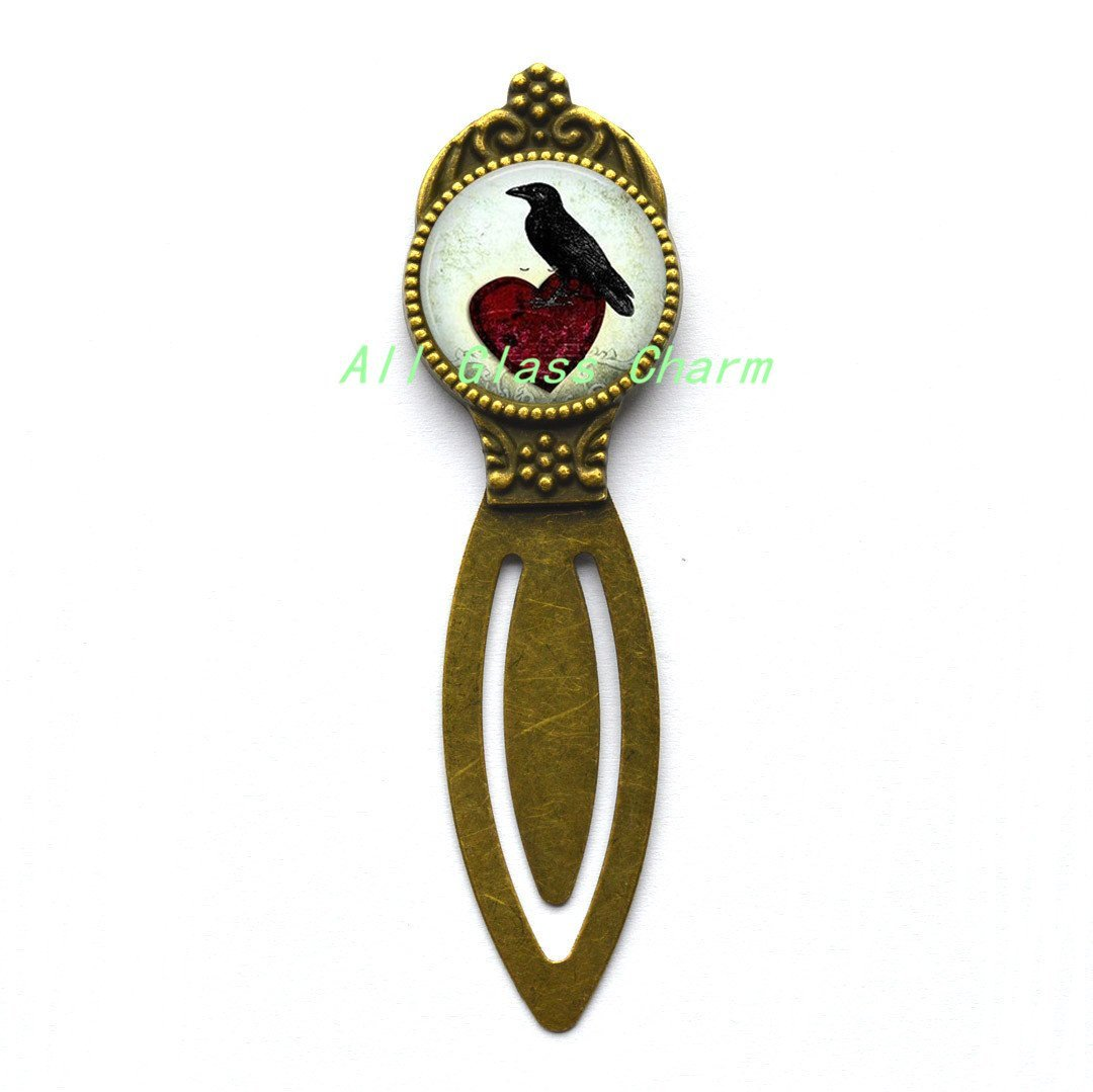 Charming Bookmarker,Raven Sitting On A Heart - Raven Bookmarker - Raven Jewelry - Bird Lover Gift,AS119