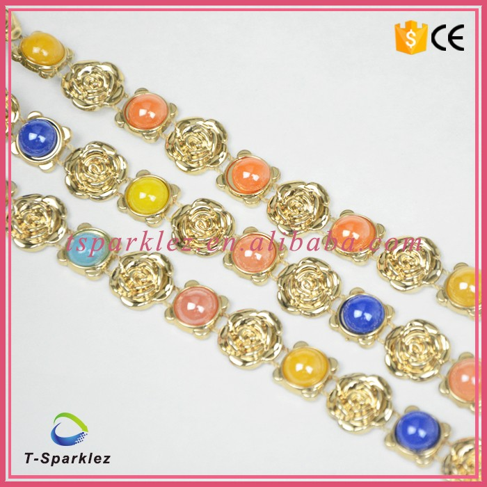 New arrival gold rose plastic rhinestone trim from Guangzhou alibaba