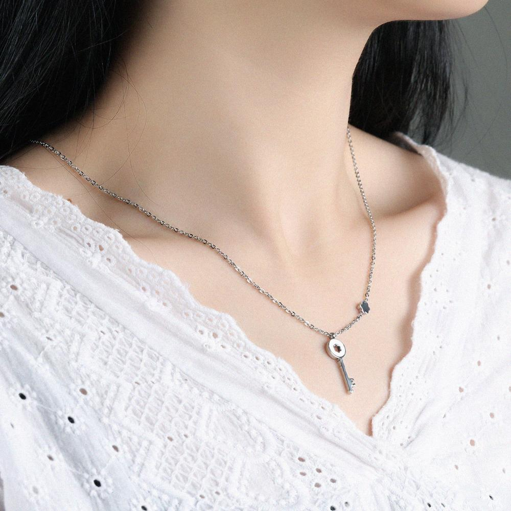 Fashion Jewelry Women Stainless Steel Key Design Girl Dainty Pendant Necklace