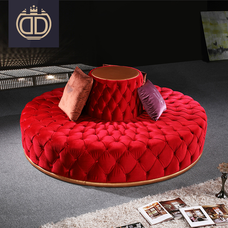 Italian Red On Tufted Outdoor