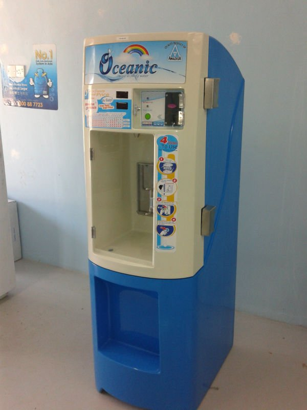 Ocenic alcaline water vending machine