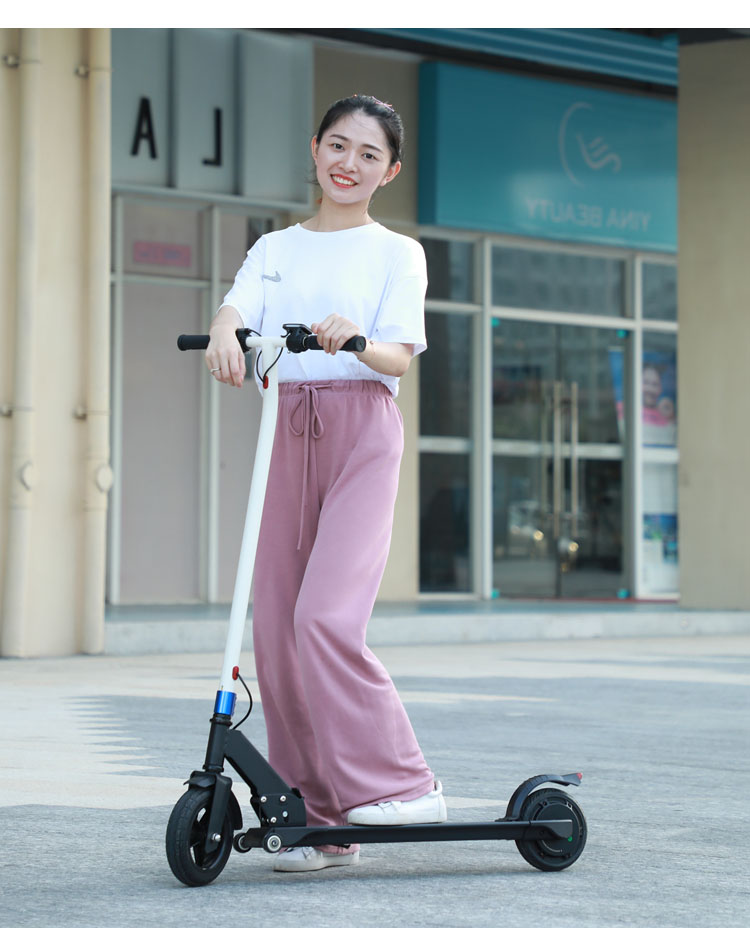 Latest Design Style Front Wheel 8.0 Inch Rear Wheel 6.5 Inch 24V4.0AH 250W LCD Display Foldable Electric Scooter CE Approved