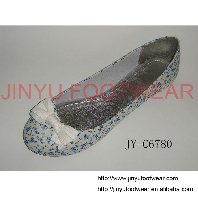 2010 Lastest ladies' fashion footwear