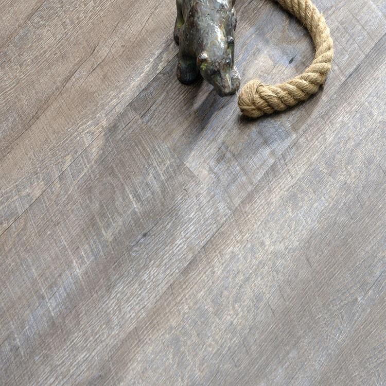 Hot sale natural wood effect 100% waterproof virgin pvc flooring.jpg