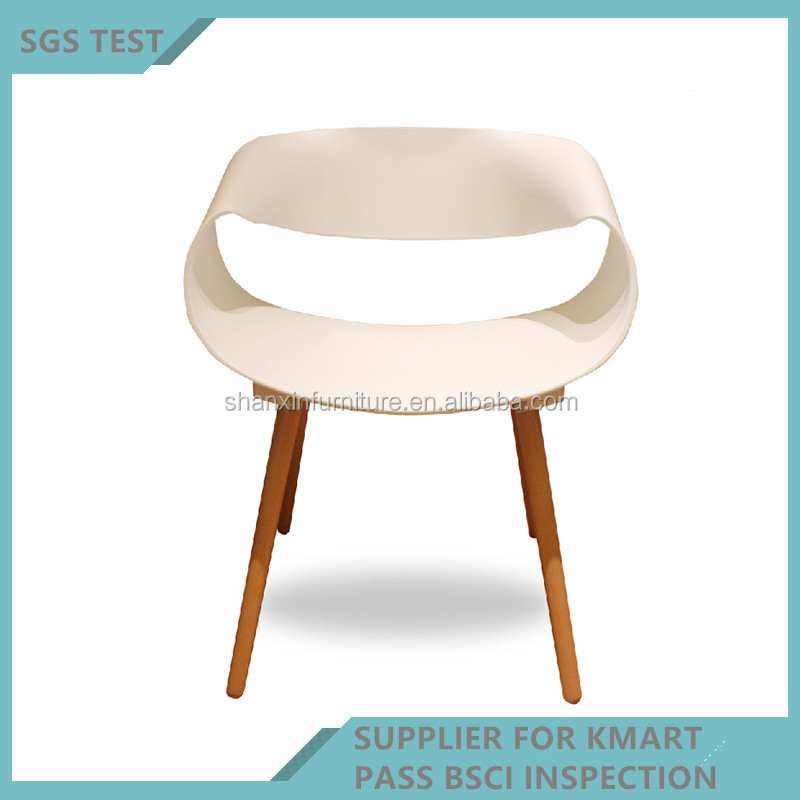 https://sc01.alicdn.com/kf/HTB1NMJNRFXXXXb2XpXXq6xXFXXXi/Hot-sale-outdoor-plastic-folding-chair-used.jpg
