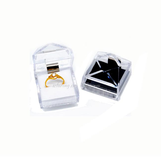 2018 hot sell 인기있는 transparent Plastic 아크릴 약혼 링 Jewelry Box