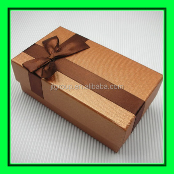 Ribbon Design Silver Paper Cardboard Printed High Quality Gift Boxes Buy High Quality Gift Boxes Plain Cardboard Gift Boxes High End Gift Boxes