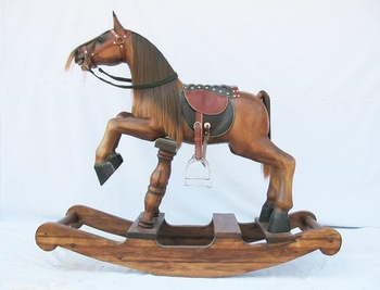 Cavallo A Dondolo Artigianale.Cavallo A Dondolo Di Legno Legno Artigianali Sculture In Legno Artigianato Antico Vintage Home Decor Giro Sul Giocattolo Thailandia Cavallo Figura