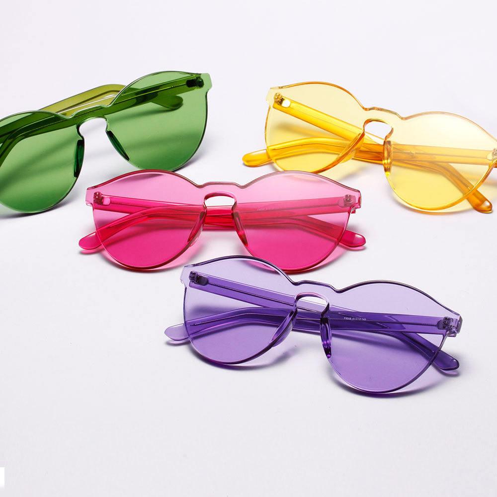 Почему мечта голубая, очки розовые, а тоска зелёная?