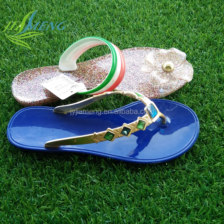 Wholesale rhinestone latest ladies clear Jelly sandals rhinestone soft pvc flip flops