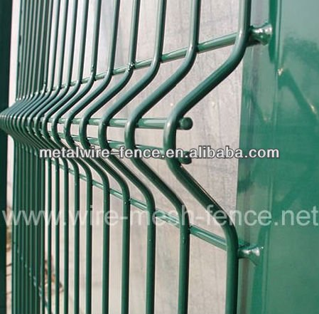 Welded Wire Mesh Fence/outdoor dog fence