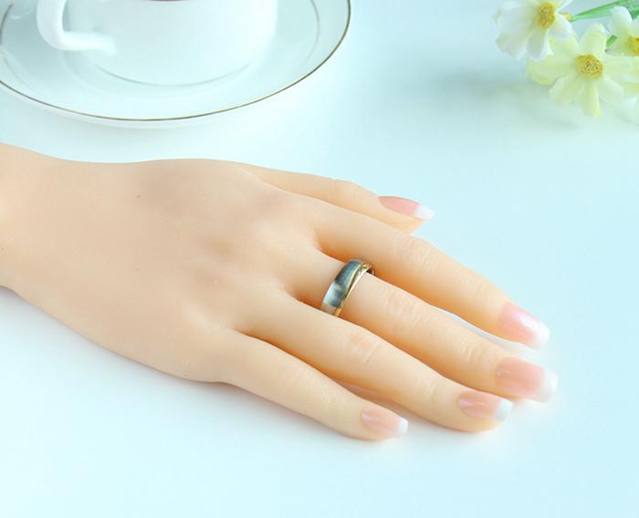 Gold new wedding rings