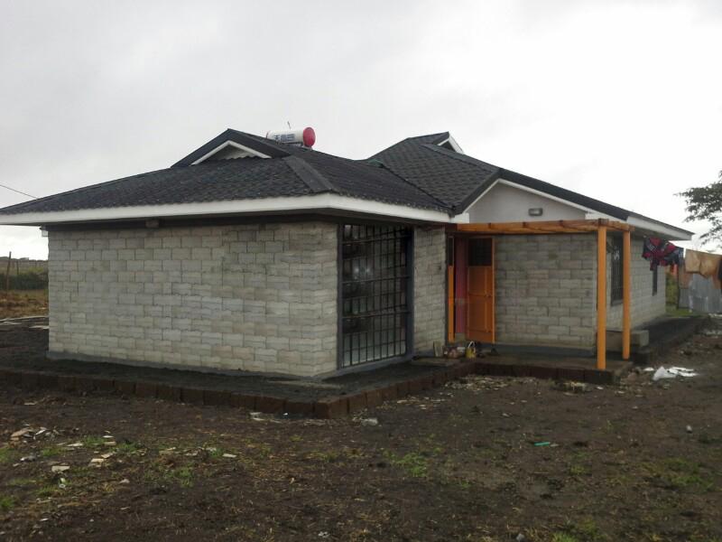 Plastic mould interlocking molds concrete hollow blocks for Interlocking brick house plans