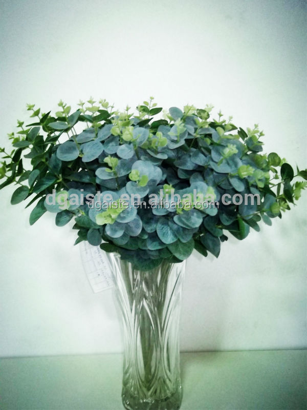 Traditional Chinese coin shape grass bouquet leaf bush with rubberized leaf