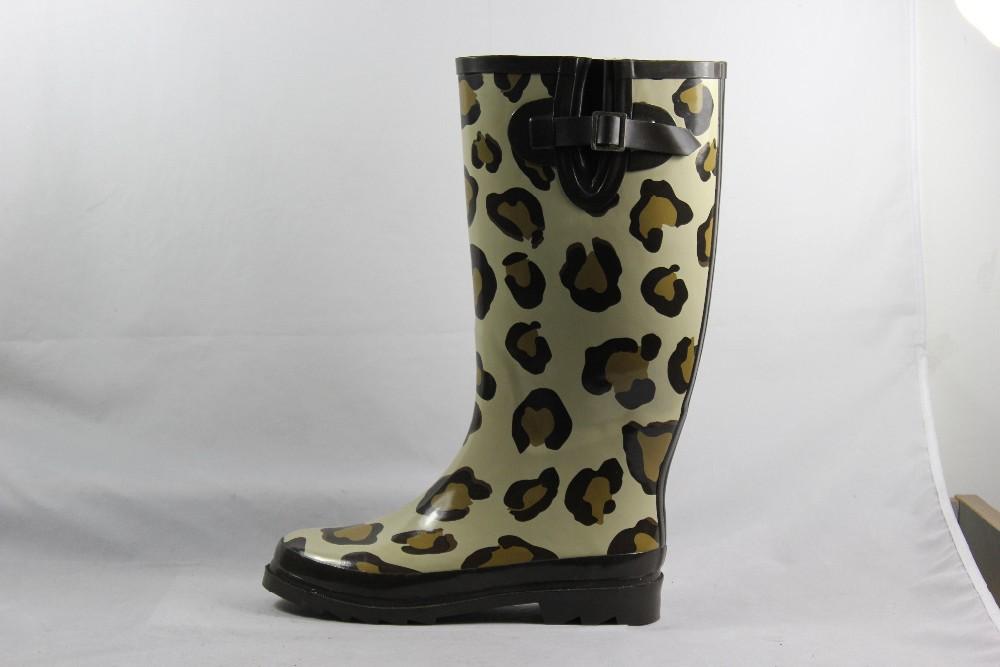 c39a11c7689 sexy zapatos para la lluvia para damas botas de frío-Botas de agua ...