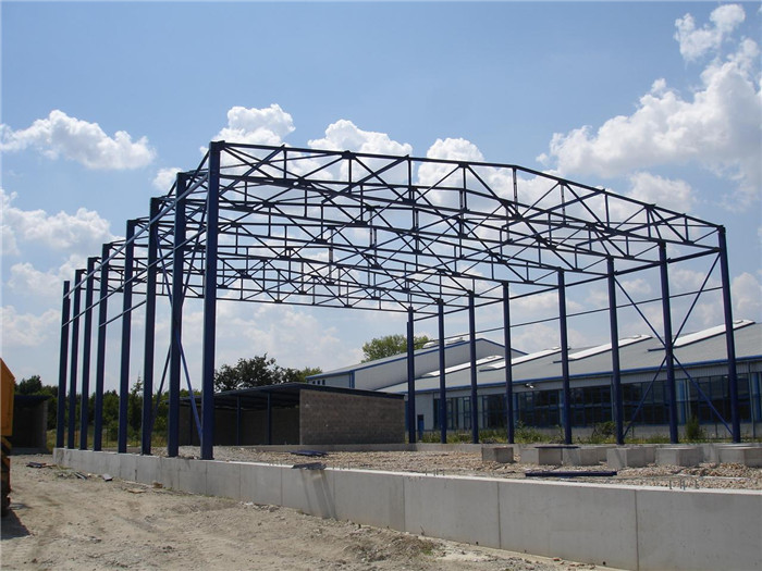 Light steel space truss structure for building