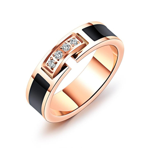 YWMT 2018 New Design Fashionable Zircon Rose Gold Stainless Steel Ring Engagement Ring For Women