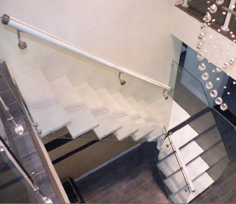 L vormige trap kant stringer trap staal stenen trap met for Trap ontwerpen