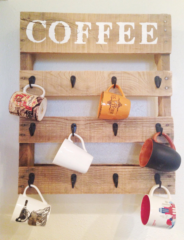 Wall Mounted Wooden Pallet Coffee Mug