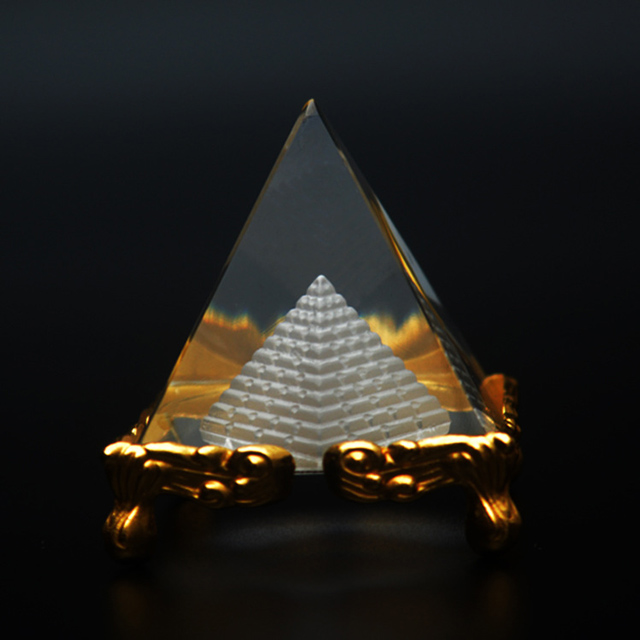 3D Laser K9 Crystal Pyramid Paperweight with Metal Base