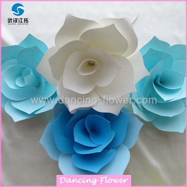 Fiori 3d Di Carta.3d Fatti A Mano Di Colore Giallo Bianco E Blu Gigante Di Carta
