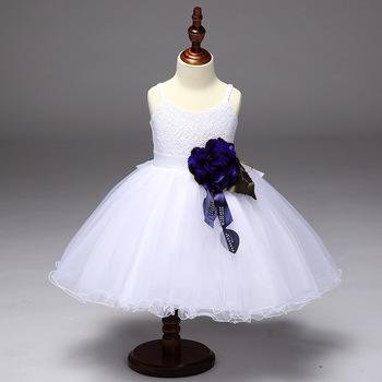 2c1c88e7027b0 Blanc Fleur Bébé Fille Robe de Glissement Pétale Dentelle Puffy Robe  Baptême Robe Princesse Costume
