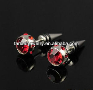 2014 fashion jewelry piercing red crystal ear plug and tapers stainless steel ear non-piercing
