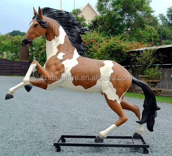 Customized jumping and runing fiberglass life size horse for garden decoration