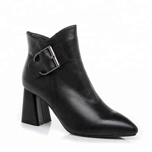 2018 Wholesale cheap price leather boots buckle fashion ankle woman boots