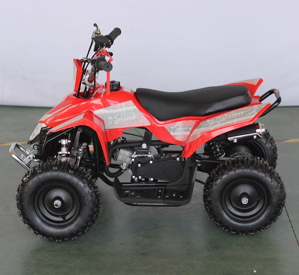 Chain drive transmission system and 49cc displacement farm equipment 4-stroke cool atv