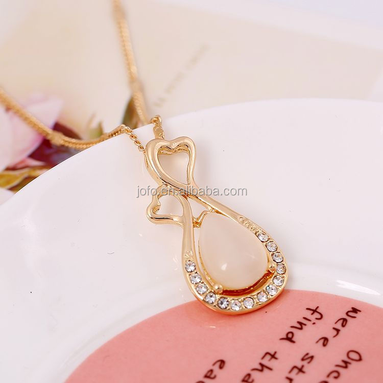 2017 Delicate New Design Crystal Opal Pendant Necklace Smoothly ...