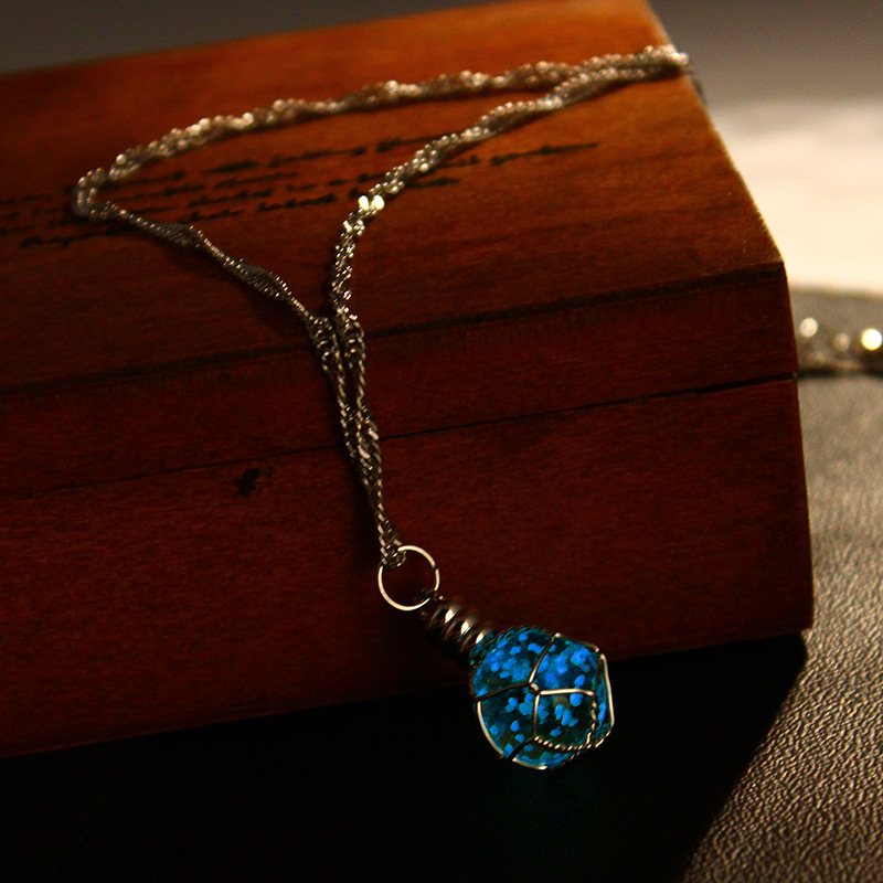 hot sale 2016 glowing necklace pendant crystal green blue ball glow in the dark luminous. Black Bedroom Furniture Sets. Home Design Ideas