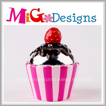 cupcake shaped welcome custom design ceramic novelty money boxes bank