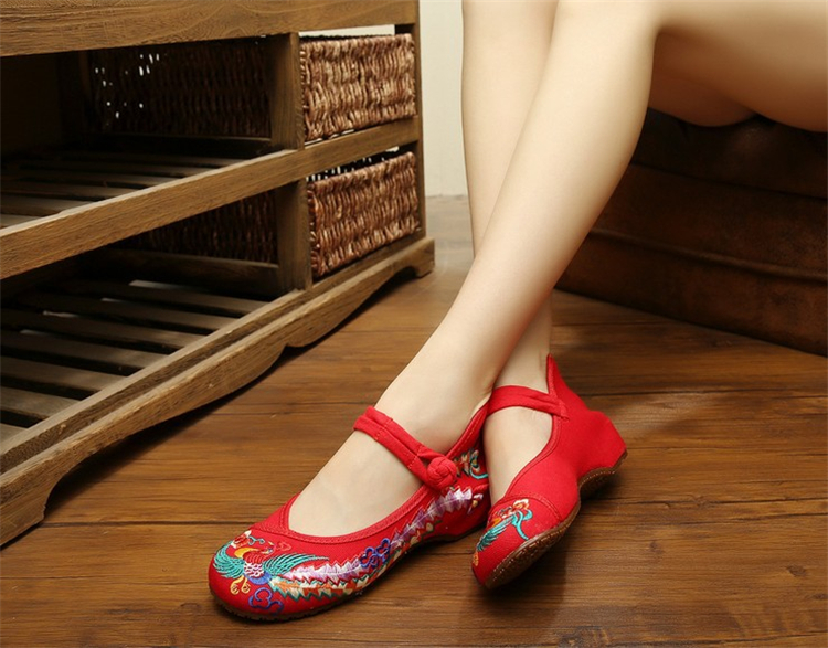 National Style Classic Lady Shoes Soft Comfort Mother Shoes