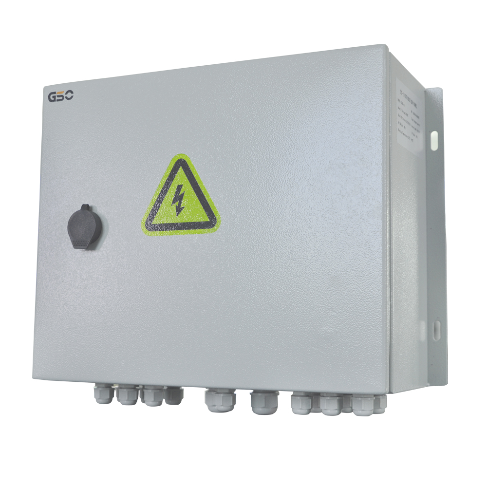 Anti lighting Solar PV Combiner Box 4 , 5, 6, 8,10,12 strings For Solar Energy System