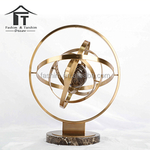 Modern luxury rock metal can rotate the globe to set a European office of the bronze creative arts and crafts
