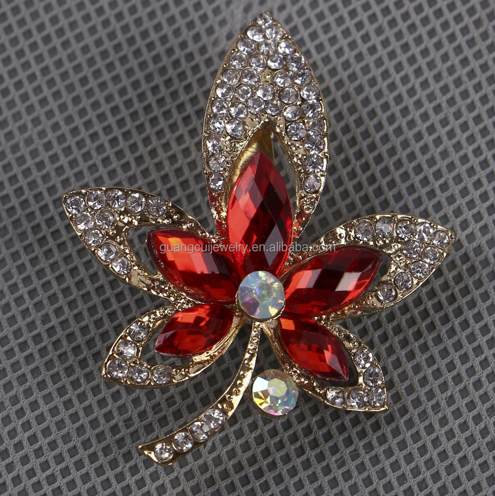 New design zinc alloy maple leaf wholesale brooch