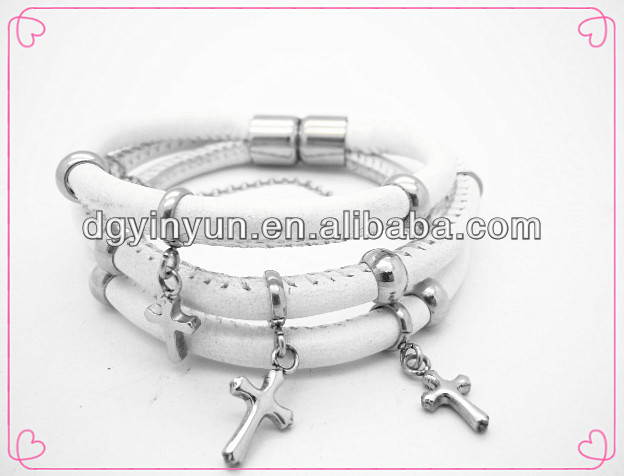 Wholesale fashion leather bracelet iced out jewelry wholesale