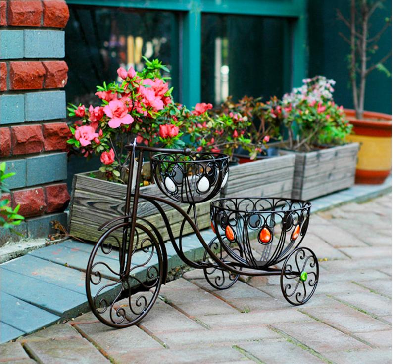 Garden Metal Wheelbarrow Planters, Garden Metal Wheelbarrow Planters  Suppliers And Manufacturers At Alibaba.com