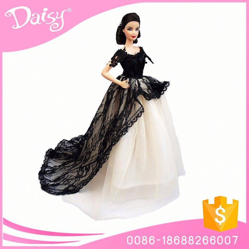 Alibaba factory with low price vintage vogue doll clothes