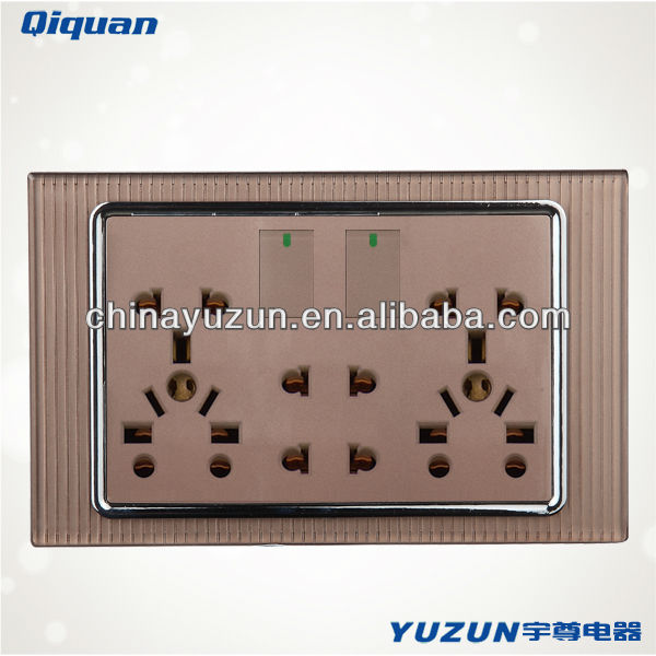 Double universal socket with switch transparent switch